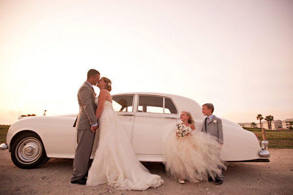 amazing, beautiful, bride, children, couple, cute, gorgeous, groom, love, photography, wedding, wedding dress, wedding gown