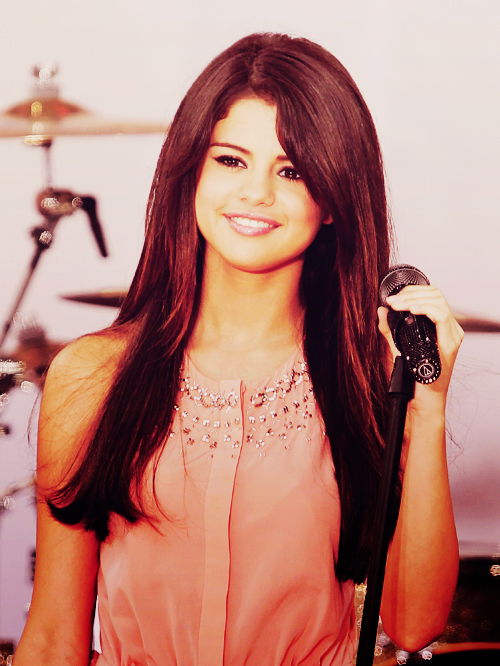 amazing, beautiful, cute, dress, eyes, fashion, girl, hair, justin bieber, laugh, miley cyrus, pretty, selena, selena gomez, smile