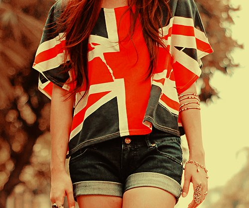 america, bracelet, brunette, clothes, clothes with brittain flag, fashion, girl, inglaterra, legs, photography, ring, short, shorts, style