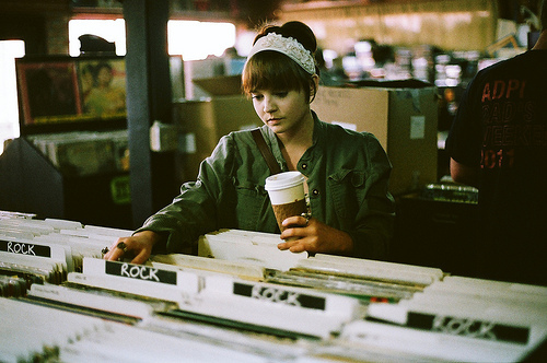 analog, beautiful, coffee, cute, girl, grain, hipster, indie, lps, music, records, rock, shir, shirt, shop, vinyl, vinyls