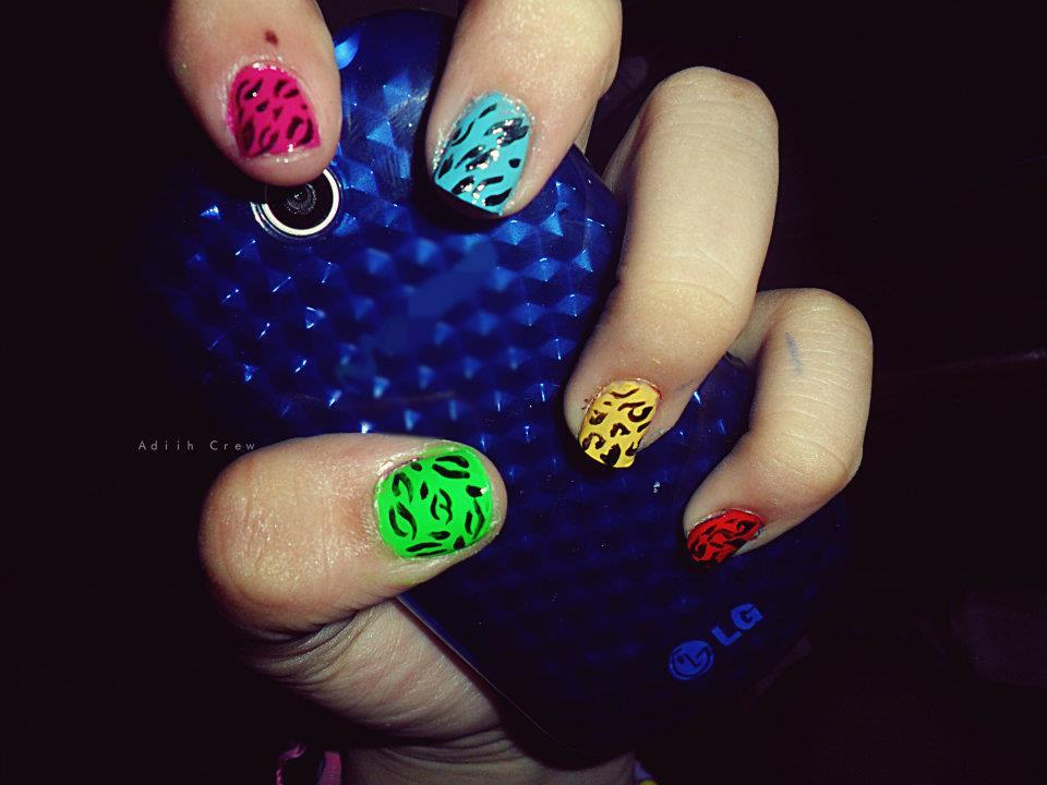 animal print, blue, colorful, green, nail art