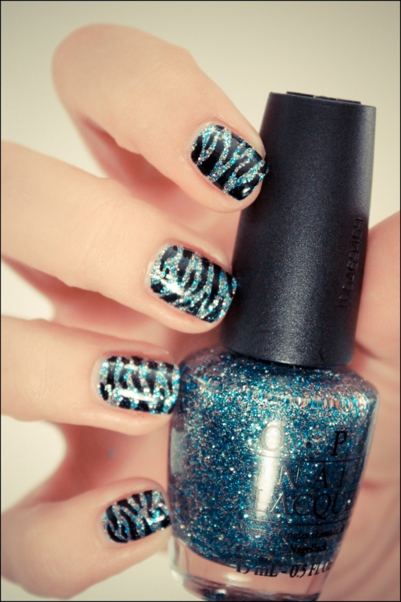 animal print, freehand, glitter, nailart, opi, zebra stripes