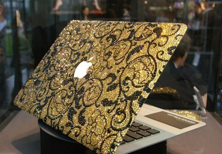apple, black, cute, damask, diamonte, glitter, gold, laptop, pretttttty, pretty, shimmer, sparkle