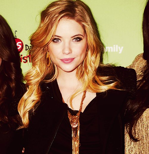 ashley, ashley benson, beautiful, bitch, bitches, blonde, cute, eyes, fashion, girl, gold, hair, hanna, hanna marin, liar, liars, lips, little liar, little liars, necklace, pll, pretty, pretty little liars, smile