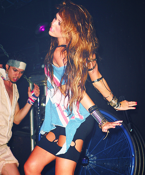 awesome, dancing, follow me, life, miley cyrus