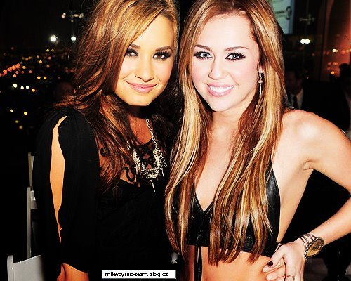 babe, beautiful, cute, demi lovato, demi lovato manip, destiny hope cyus, fit, hannah montana, heart me, heart this, i love miley cyrus, memi, miley, miley and demi, miley cyrus, miley cyrus manp, photography, pretty, ronnie miller