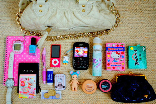 bag, beautiful, beauty, clucth, cute, fashion, girl, girls, girly, ipod, jewelry, kawai, kawaii, light, makeup, money, nags, nail polish, nails, nature, note book, notebook, phone, photography, pink, pretty, staff, stuffs, sweet, things