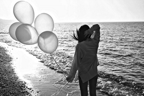 balloons, beautiful, black, black and white, blackandwhite, fashion, girl, grey, ocean, photo, photography, sea, water, white, woman