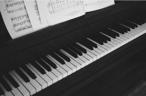 b&w, beautiful, black & white, black and white, cute, music, photo, photography, piano, place