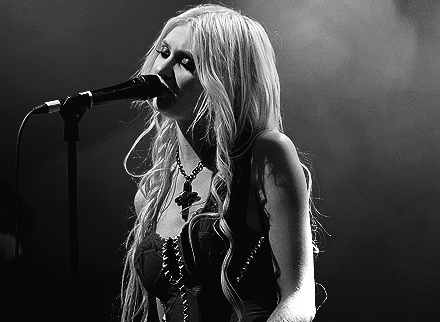 b&w, beautiful, black and write, cute, eyes, famous, fashion, gossip girl, hair, image, momsen, perfect, photo, photography, picture, pretty, sexy, style, tay, tay momsen, taylor momsen, the pretty reckless