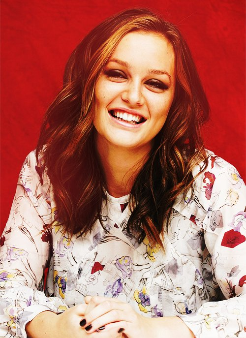 beautiful, beautiful girl, beautiful hair, black, black nail, blair waldorf, blair woldorf, girl, gossip girl, hair, laugh, leighton meester, nail, outfit, queen b, queen bee, smile
