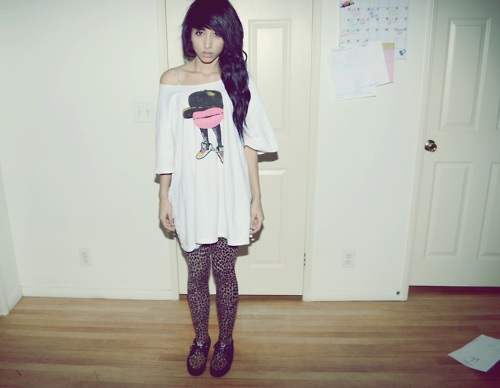beautiful, black hair, cute, fashion, girl, hair, photo, photography, pretty, room, shirt, style, tights