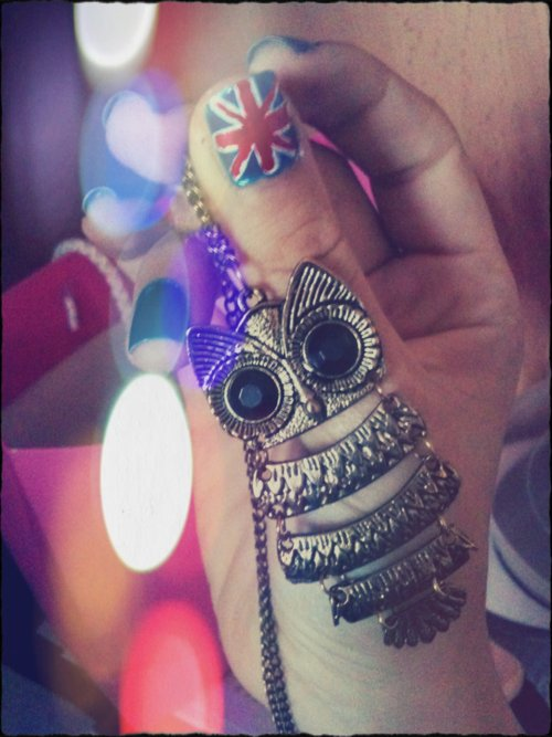 beautiful, blue, cute, fashion, flag, girl, great britain, hand, london, nail lacquer, necklace, nice owl, owl, owls, pink, polish, red, uk flag, vintage, white