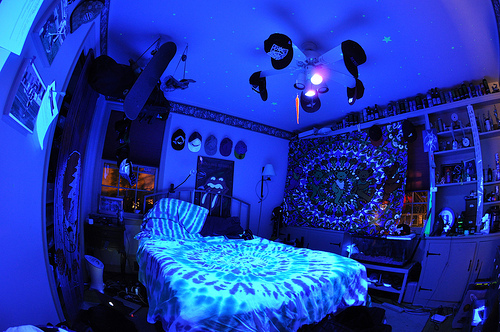 Beautiful drugs lights room image 429730 on for Neon lights for rooms