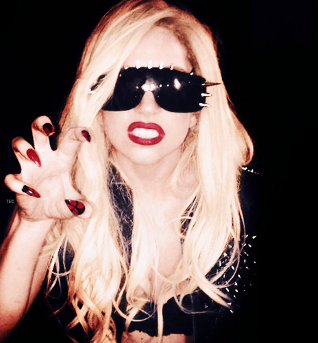 beautiful, gaga, lady gaga, nails, paws up, red lips, sexy, sunglasses