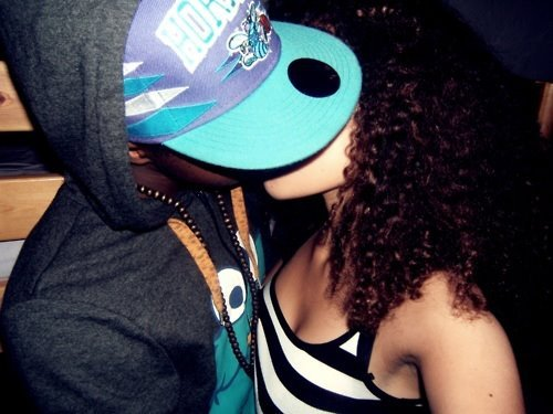 beautiful hair, couple, couple swag, curly hair, kissing