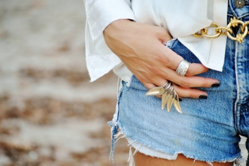 belt, blouse, blue, cute, fashion, fasionable, girl, gold, golden, hands, jeans, juwelleries, juwellery, outside, rings, silver