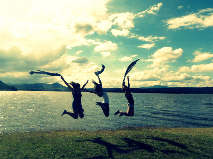 best friends, girls , gras, jump, lake
