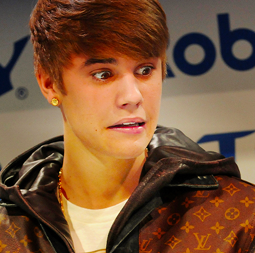 funny faces of justin bieber-#4