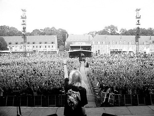 black and white, blonde, concert, girl, metallica