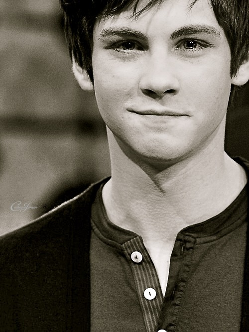 black and white, charming, hot, lightening thief, logan, logan <3, logan lerman, persy jackson, sexy, shy, shy-boy, smile