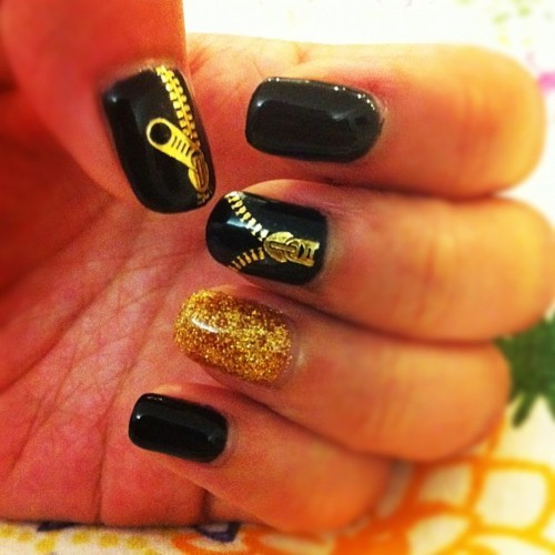 black, brocade, cute, girly, glitter, gold, golden, nail, nail art, nail polish, nail varnish, nails, nails painting, painted nails, pattern, pretty, style, zip, zips