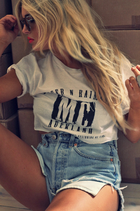 blond, fashion, girl, hair, lips, long hair, photography, ring, shorts, sunglasses, t-shirt
