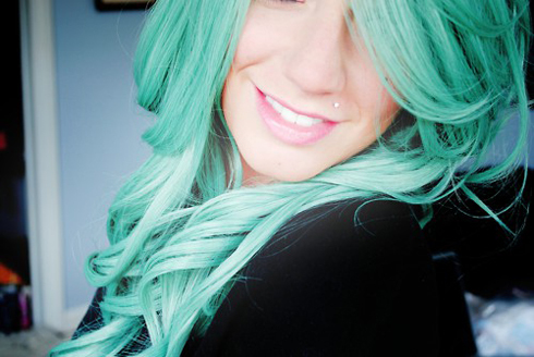 cabelo verde, girl, hair, long hair, piercing, smile