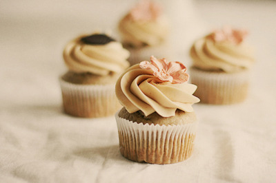 cake, cupcake, cute, flower, food, yummie