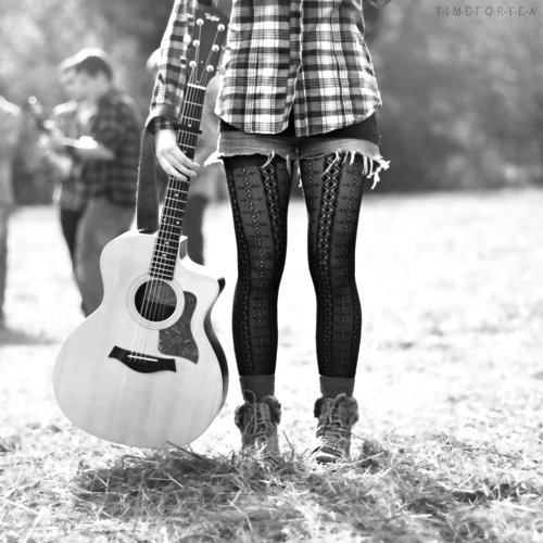 beautiful, black, black white, cute, fashion, girl, music, photograph, pretty, trendy, vintage, white, woman, xadrez