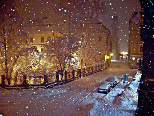 cars, light, night, snow, snowing