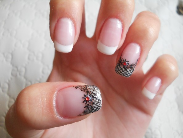 checkered, cute, flower, french, french manicure, manicure, nail, nail art, nails, paned, pattern, pretty, style