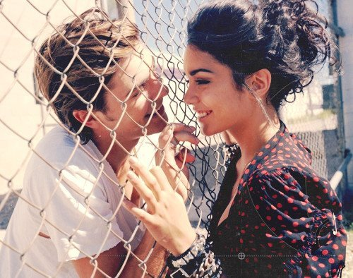 couple, love, vanessa hudgens