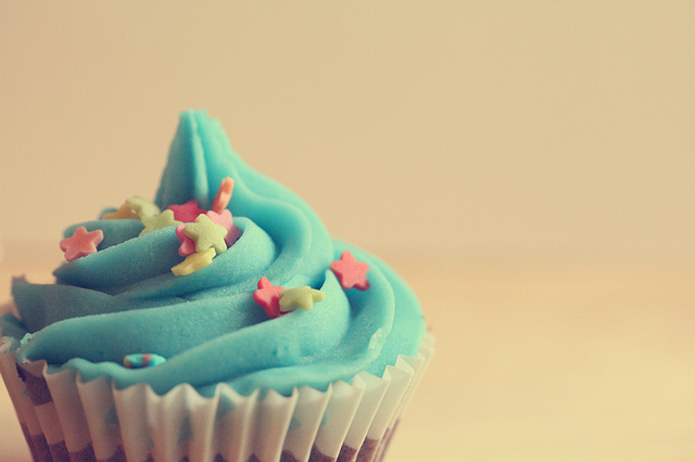 cupcake, food, frosting, stars