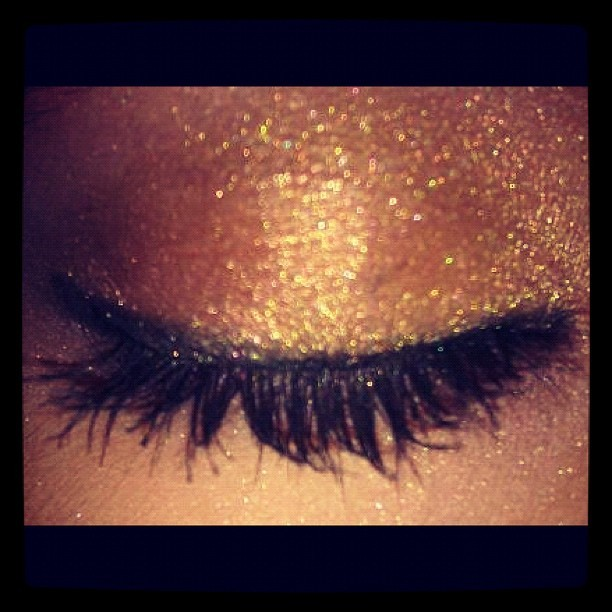 eyes, eyeshadow, flashy, gold, gold dust