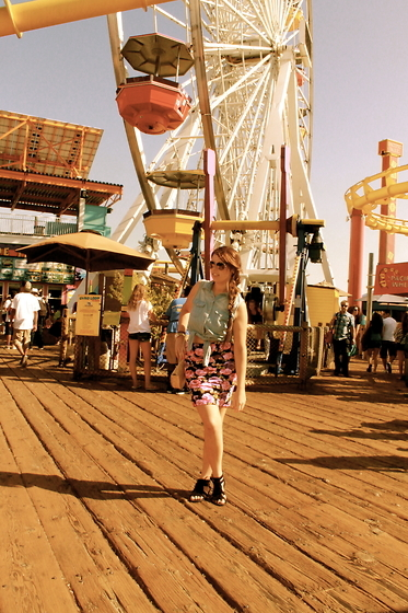 fair, fashion, ferris wheel, fun, shoes, skirt, summer