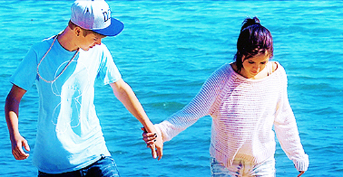 2 much fun, couple, jelena, justin bieber, love