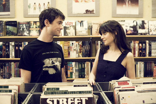 500 days of summer, 500 dias con ella, boy, casal, couple, cute, fofos, girl, joseph gordon levitt, love, movie, msuics, music, posters, records, zooey deschanel, zooey deschannel, copal nile