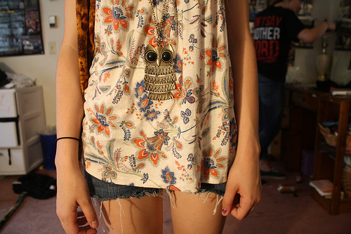 accessorize, bracelet, clothes, dress, fashion, floral, girl, girls, girly, jeans, jewelry, legs, necklace, owl, pattern, photography, print, printed, room, shirt, short, shorts, skin, skinny, skirt, thin, tshirt, vintage, woman