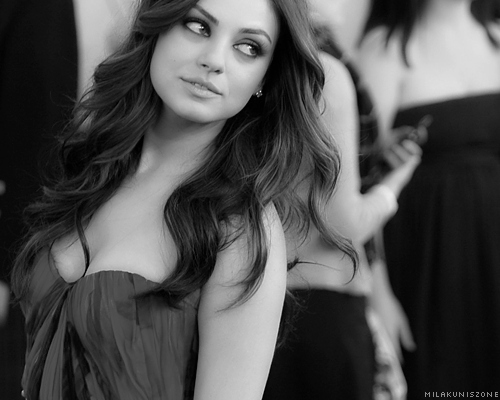 actrice, b & w, b&w, beautiful, black and white, brunette, chick, female, girl, hair, mila kunis, photo, photograph, photography, picture, woman