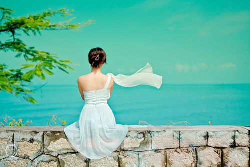 alone, blue, bride, honey, honey moon, lonely, look, love, ocean, sea, think, turquoise