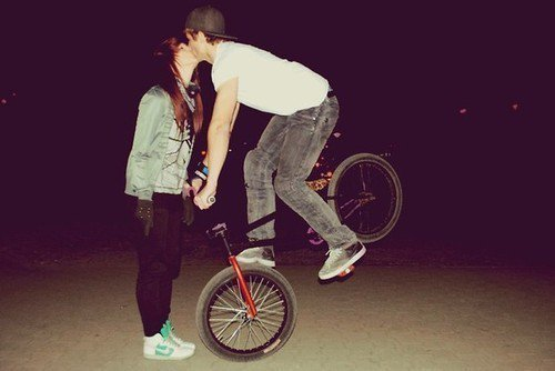 alternative, black and white, blonde, bmx, boy, couple, girl, hair, indi, kiss, love, nike, peace, red hair, vans