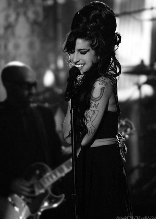 amy, amy winehouse, black and white, club 27, famous