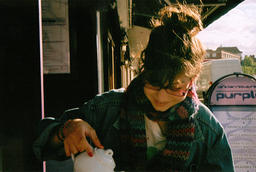 analog, cafe, cute, girl, glasses, grain, grian, hipster, indie, scarf, tea