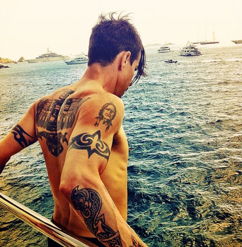 anthony, anthony kiedis, boy, chili peppers, cute, da lizzie, hes mine, hot, kiedis, love, man, meu, muscles, red hot chili peppers, rhcp, sea, sun, tattoo, water, watter
