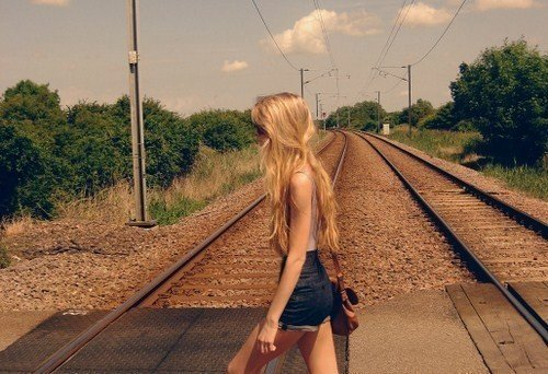 bag, beautiful, blonde, cool, cute, fashion, flat tummy, girl, hair, hippie, legs, photography, pretty, shorts, skinny, skirt, style, summer, sunglasses, thin, thinspo, tighs, train, tummy, vintage