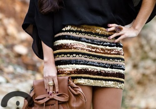 bag, crimenesdelamoda, fashion, girl, nails, photography, ring, sequins, skirt, style, top, First Set on Favim.com