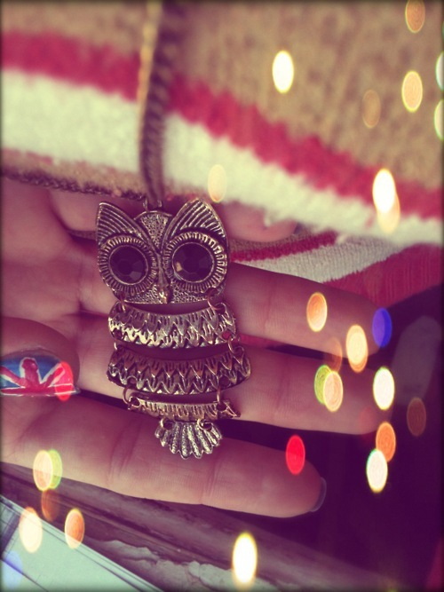 baku girl, beautiful, europe, flag, golden rose, london, nail, nail art, necklace, nice, owl, owl necklace, owls, striped, uk flag, vintage, vintage photography