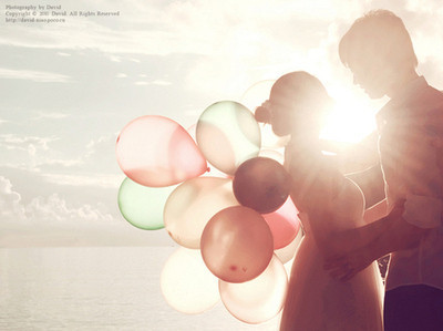 balloons, color, couple, cute, ocean, sky, summer, sun, sweet