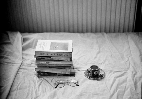 b&w, beautiful, bed, bedroom, black & white, black and white, book, books, coffee, cup, girly, photo, photography, place, room, sunglasses, tea